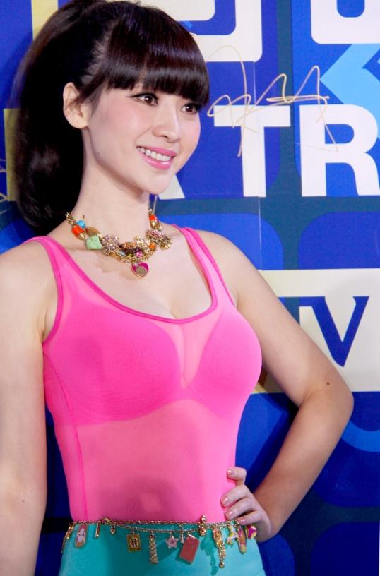 Liuyan always wear transparent clothes